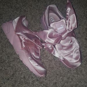 Puma fenti by rihanna pink bow sneakers